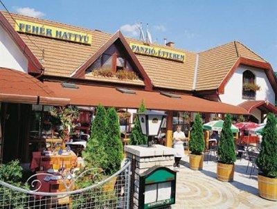 Fehér Hattyú Panzió Étterem szálláshely