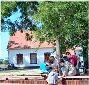 Ifjúsági Tábor Üllés szálláshely