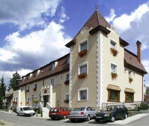 Kikelet Club Hotel *** szálláshely