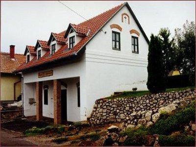 Troszt-Pince-Apartman  szálláshely